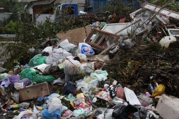 Фуры сльвовским мусором доехали уже идоДонбасса