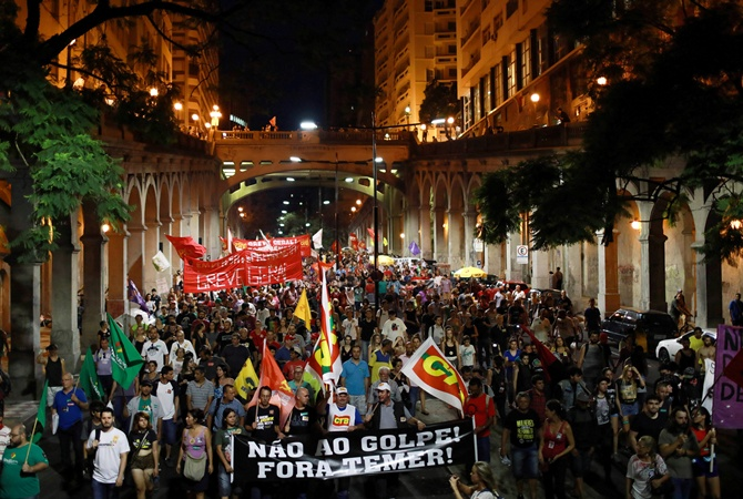 ВБразилии акция протеста против пенсионной реформы закончилась беспорядками