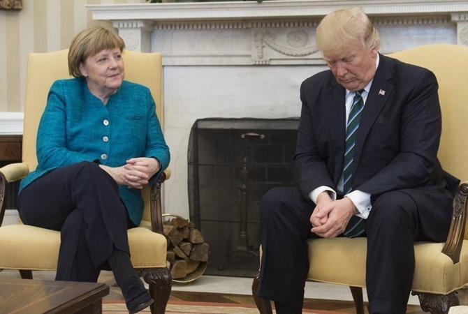 СМИ уличили Меркель вчтении Playboy перед встречей сТрампом