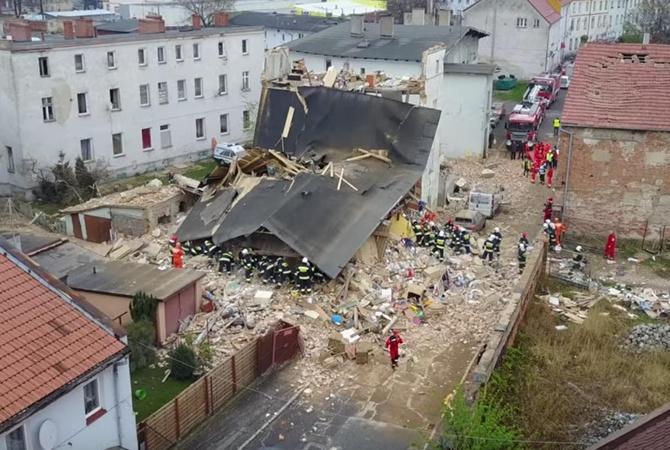 При обрушении дома вПольше погибли шесть человек