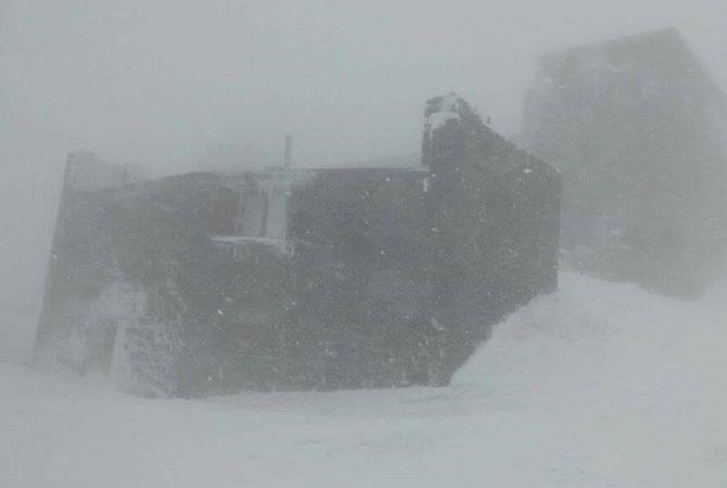 На Пасху Карпаты замело снегом