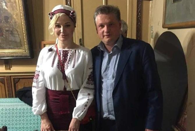 Вдова расстрелянного экс-депутата Государственной думы РФспела наПасху вкиевском соборе