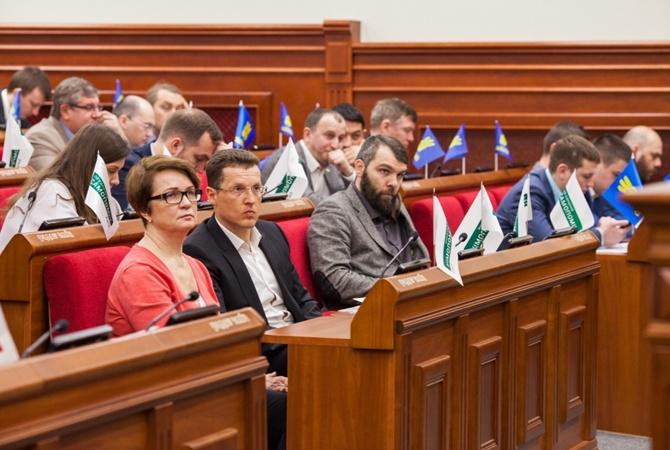 Киевских продавцов иофициантов вынудили говорить наукраинском языке