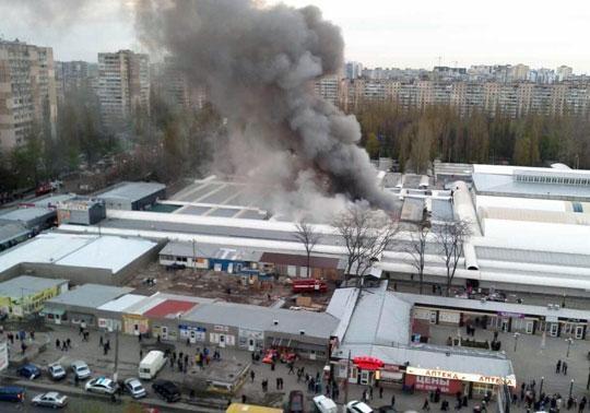 Масштабный пожар нарынке вОдессе: стало известно опострадавших