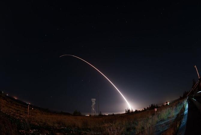 США снова провели тестирования межконтинентальной ракеты