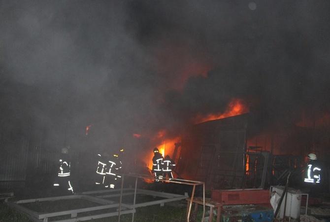 НаХмельнитчине горел завод полиэтиленовых изделий