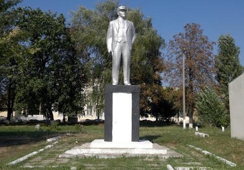 ВОдесской области распилили последний монумент Ленину