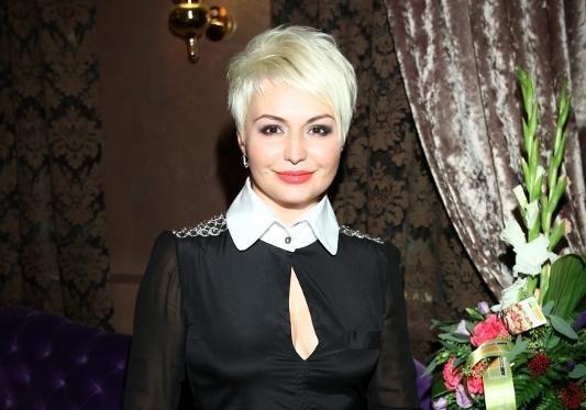 Эстрадная певица Катя Лель внесена вбазу скандально известного «Миротворца» из-за посещения Крыма