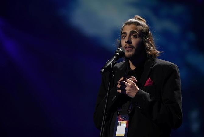 Португальский финалист «Евровидения» «спонтанно» спел вкиевском баре