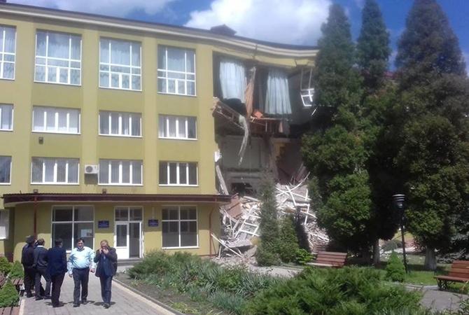 ВИвано-Франсковской области обрушилось строение  колледжа