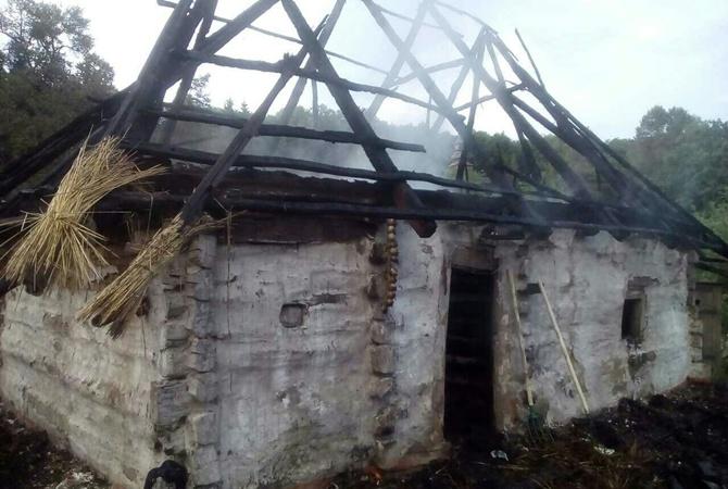 Вмузее Пирогово сгорел стародавний деревянный дом
