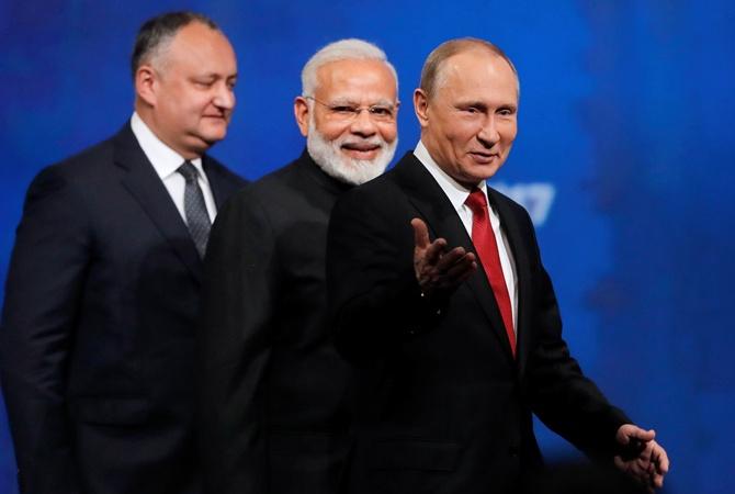 Путин пошутил над участниками финансового форума