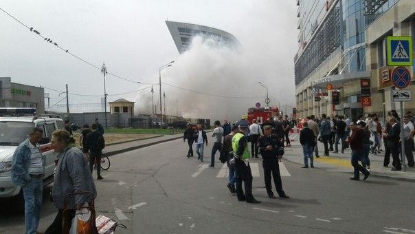 Около  Киевского вокзала в российской столице  крупный пожар , эвакуируютТЦ «Европейский»