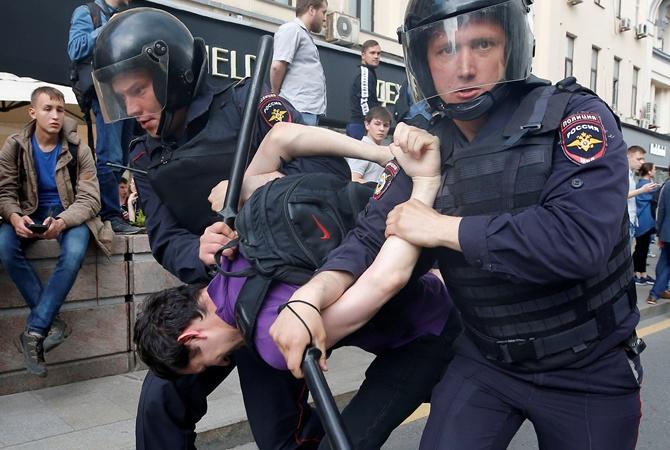 В столице задержали неменее 400 человек наакции против коррупции