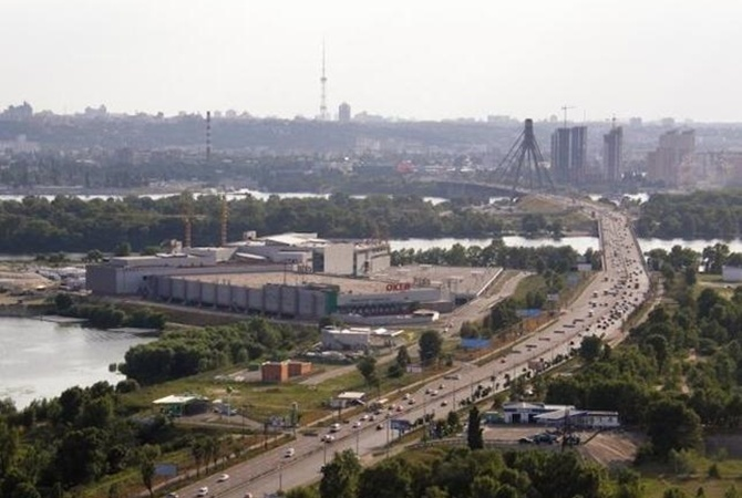 Украински суд временно запретил переименовывать проспект Ватутина вШухевича