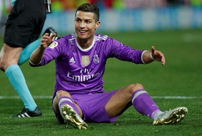 Роналду достигает подписания нового договора склубом, считают игроки «Реала»