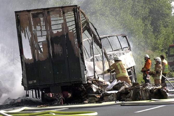 ДТП вБаварии: многие взагоревшемся туристическом автобусе погибли