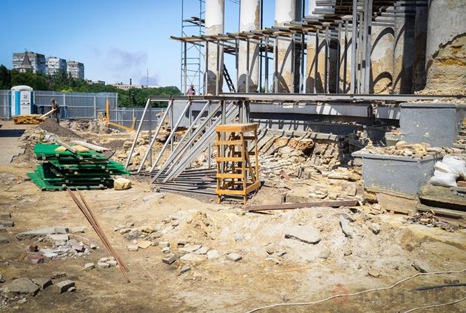 Реставрацию Воронцовской колоннады рассчитывают закончить коДню города