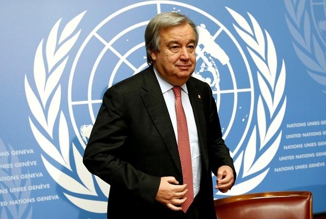 Климкин подарил генеральному секретарю ООН вышиванку