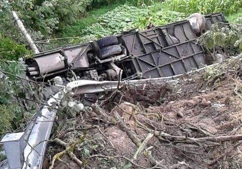 Под Тернополем упал собрыва автобус стуристами изИвано-Франковской области