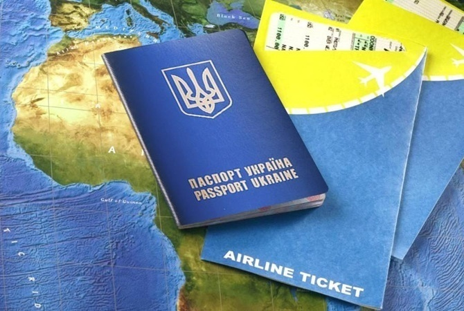 Украина вводит заезд  побиометрическим паспортам иностранцев— Порошенко