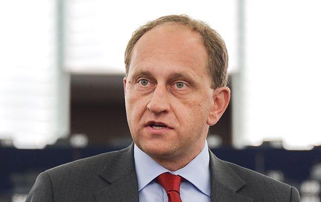 Европарламент: НАТО небудет силой защищать государство Украину