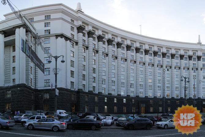Кабмин упростил порядок заезда защитников прав человека в захваченный Крым
