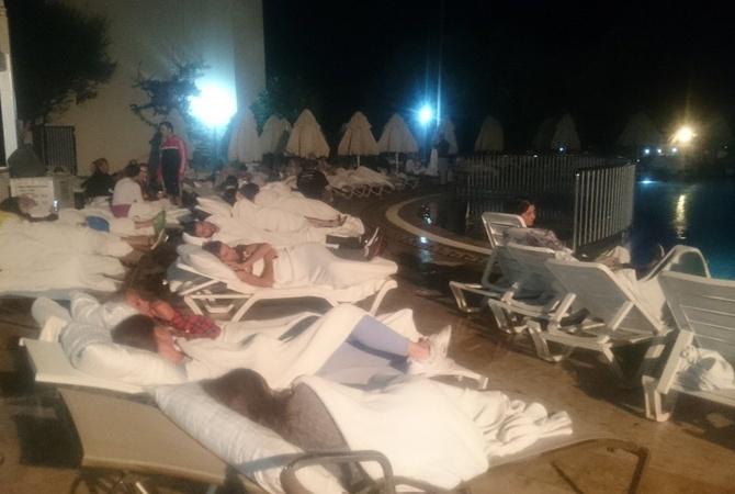 Украинцы непострадали вовремя землетрясения вТурции иГреции