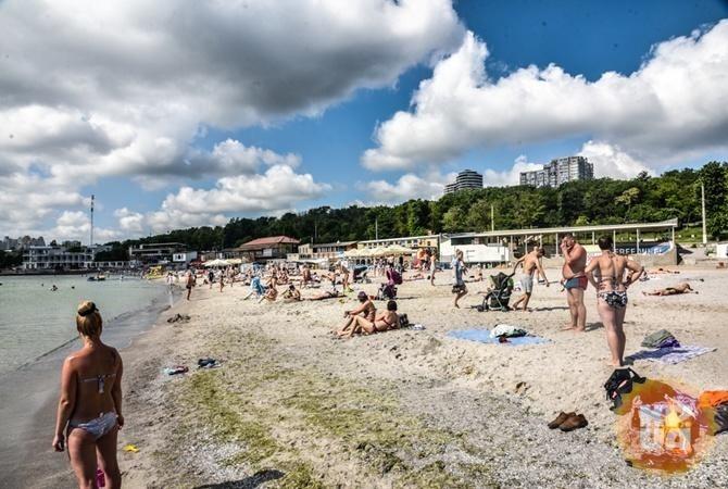Киевлянам запретили купаться навсех пляжах столицы