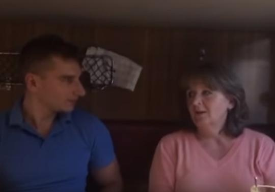 Мать жителя России Агеева признала, что русские военные служат наДонбасса