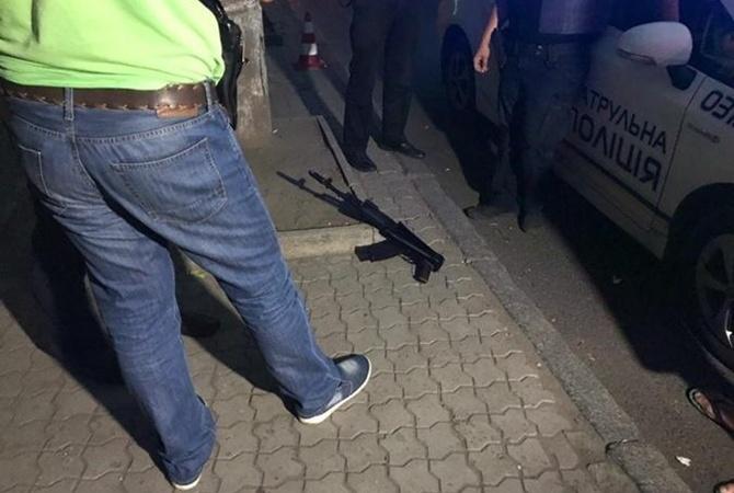 Вцентре города Днепр открыли стрельбу изавтомата Калашникова