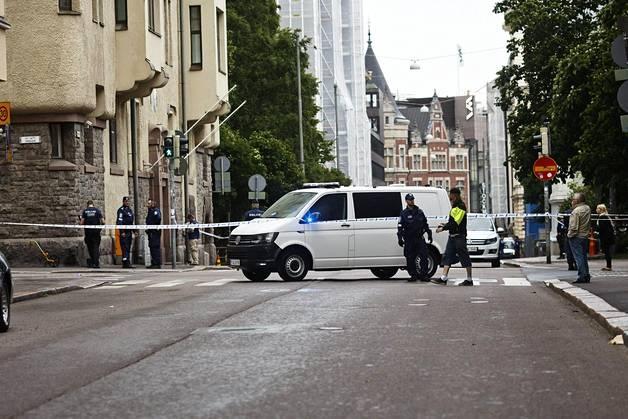 Автомобиль въехал втолпу людей вХельсинки