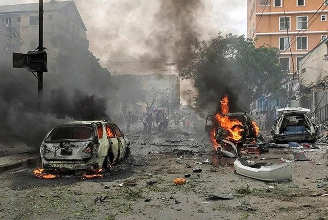 Подрыв машины вМогадишо: 5 погибших и13 раненых