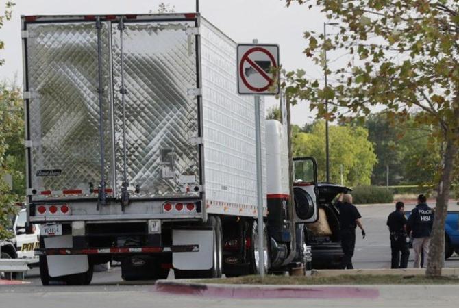 Американские таможенники спасли 60 мигрантов изрефрижератора
