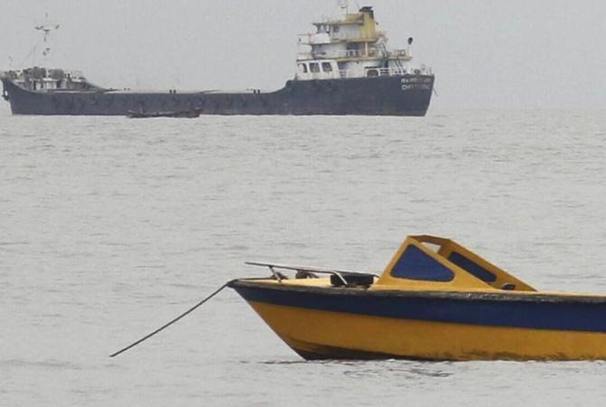 4 человека погибли при столкновении судов вИраке