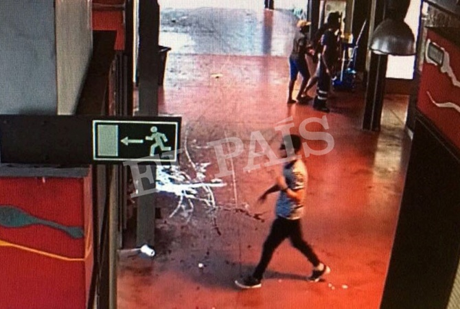 Милиция установила личность террориста, въехавшего втолпу вцентре Барселоны