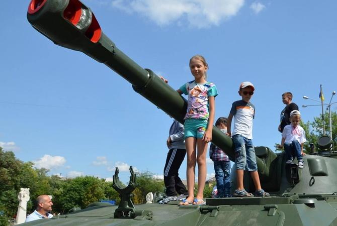 День Независимости наДонбассе: обстрелы ираненые