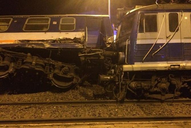 ВПольше неменее 20 человек пострадали при столкновении поездов