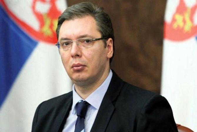 Бентли протаранил президентский кортеж Вучича вБелграде