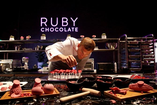 Рубиновый шоколад изобрели вШвейцарии