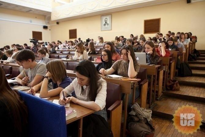 Втечении следующего года изсписка предметов ВНО уберут российский язык