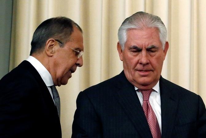 Лавров иТиллерсон обсудили потелефону ситуацию вУкраинском государстве иСирии