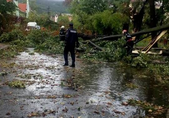 В Украинское государство движется шторм, бушевавший вРумынии
