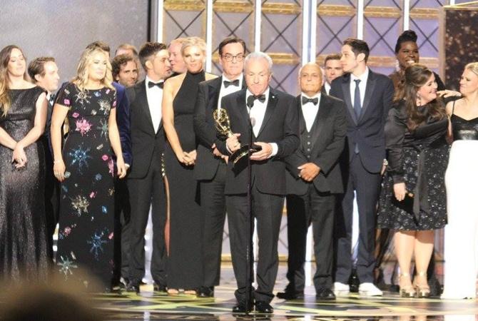 Премию «Эмми» как лучший драматический сериал получил «Рассказ служанки»