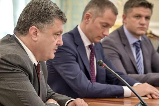 Удастся ли Порошенко провести в стране реформы на идеях Януковича и выдать их как свои… 23997550