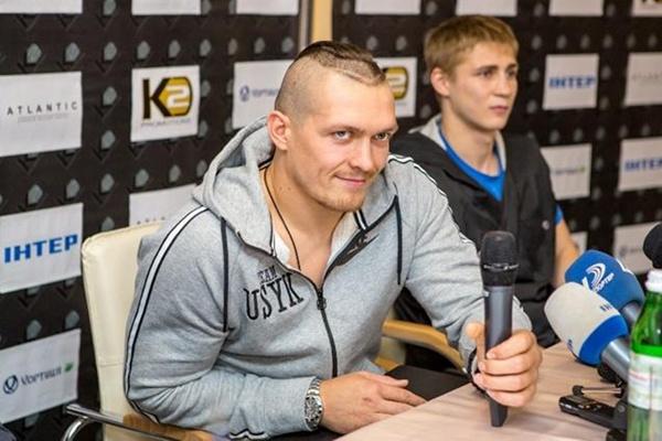 Александр Усик готовится к первому в карьере титульному бою
