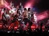 Red Hot Chili Peppers  требуют комнату для медитации,  Muse  – ковер и трусы-боксеры