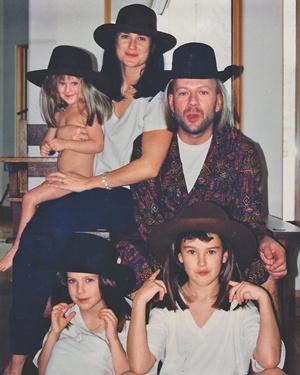 Деми Мур благодарна Брюсу Уллису за троих дочерей.