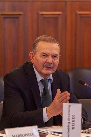 Владимир Кипень