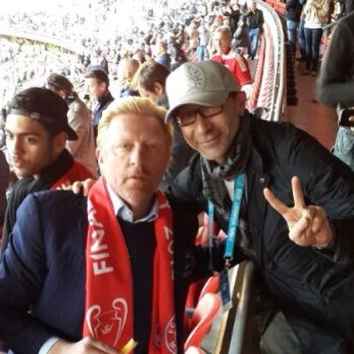 Знаменитый Борис Беккер и человек в кепке. Фото: http://instagram.com/gepard59